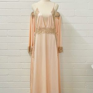 Hickory. Vintage Night Gown Set. Negligee and Gown